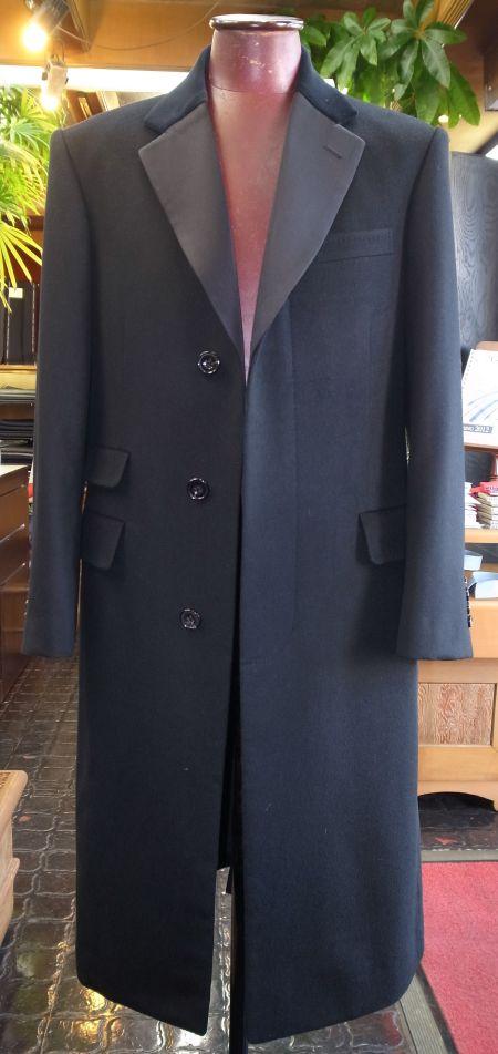 襟が拝絹(シルク)のチェスターコート
