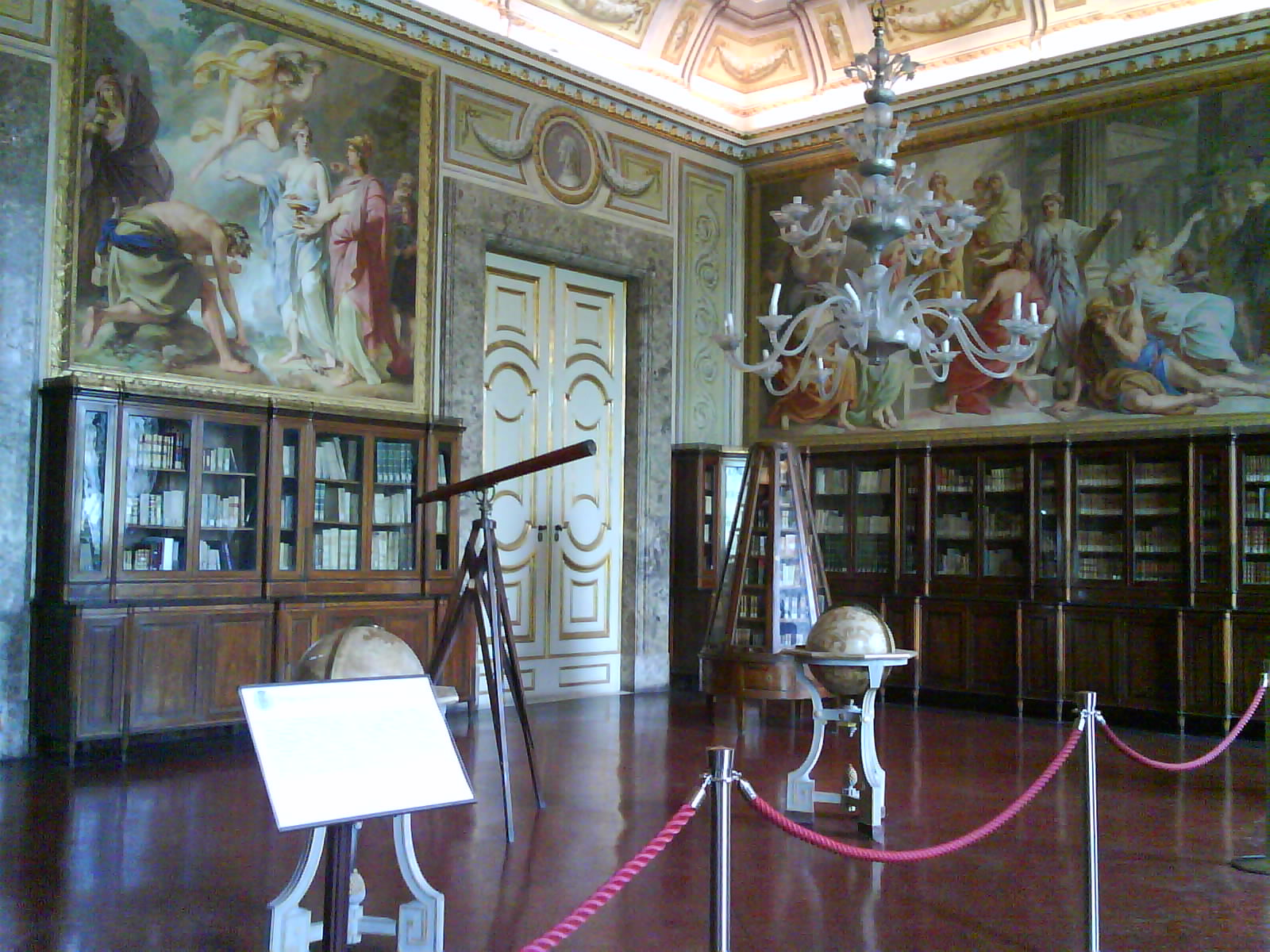 palazzo reale biblioteca2