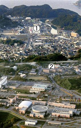 島根県浜田市の(1)平岡都さんがアルバイトをしていたショッピングセンター(2)住んでいた女子寮。下は通学していた島根県立大