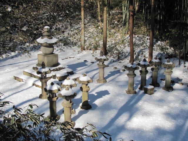 松平直知墓所3