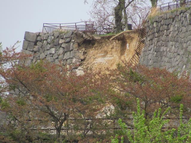 小峰城被害1