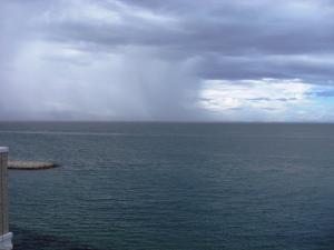 100830雨のカーテン