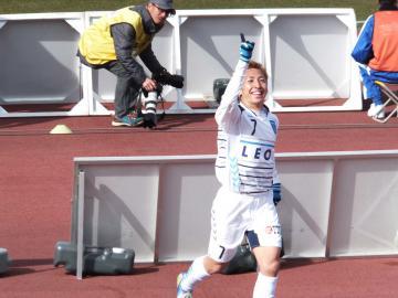 立て続けに横浜FCがゴールを挙げる。今度は内田だ