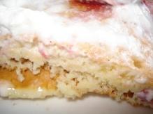 ストロベリーホイップマカダミアナッツパンケーキ断面