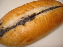黒胡麻サンド