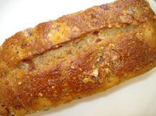 クランベリーとナッツのライ麦パン