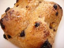 木の実とナッツのバターパン