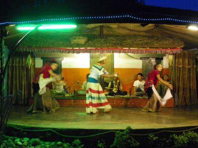 ポカラ3ネパールダンス