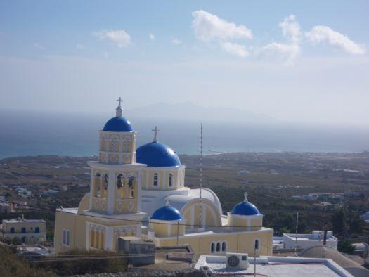 fira青い屋根の教会