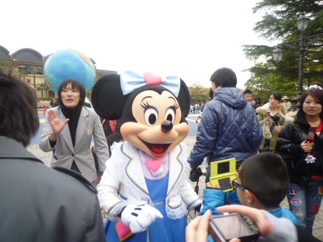 入口に ミニー!!!