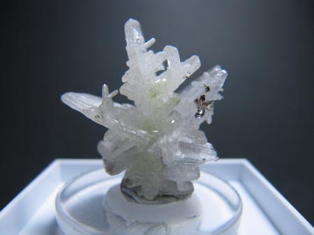 モロッコ産白鉛鉱1.jpg