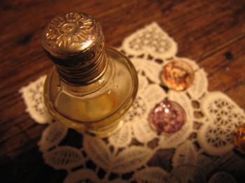 アンティーク小瓶1.jpg