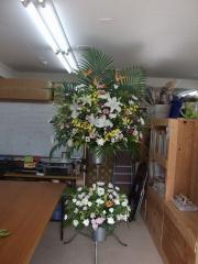 葬儀のスタンド花