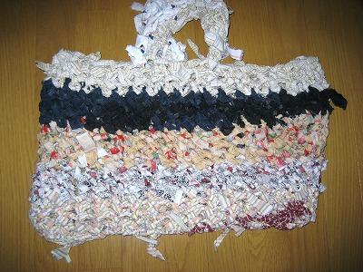 2011.1月。裂き編みバッグ