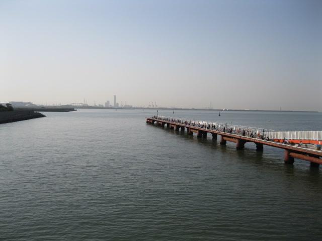 釣り公園全景(大阪方面を望む)