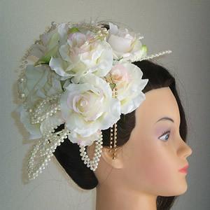 ホワイトローズとリーフの結婚式髪飾り