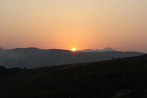 西には夕陽が沈みます♪