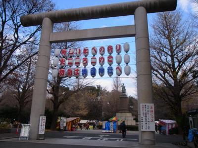 2012靖国神社で仕事 (1)