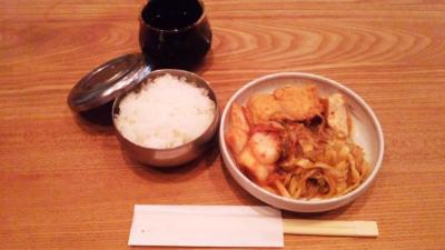 韓国料理セントランチ3品取り放題キムチ、厚揚げ、キャベツ煮