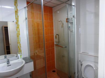 2011年8月タイ-スリランカ旅行タイ後半18日ホテルプラッソ浴室