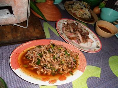 2011年8月タイ-スリランカ旅行タイ後半20日トンローソイ1屋台豚ミンチや豚の首の炭火焼