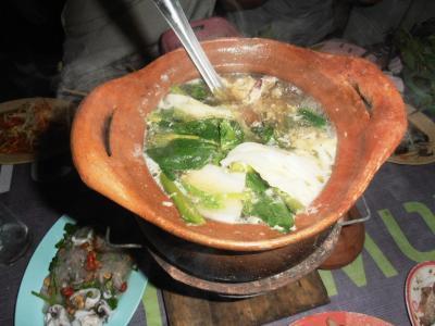 2011年8月タイ-スリランカ旅行タイ後半20日トンローソイ1屋台チムチュム鍋を作る
