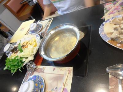 2011年8月タイ-スリランカ旅行タイ後半21日タイスキMKの鍋