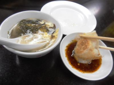 2011年8月タイ-スリランカ旅行タイ後半21日エカマイ大連飯店ギョーザ食べる
