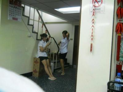 2011年8月タイ-スリランカ旅行タイ後半21日エカマイ大連飯店アルバイト女子学生