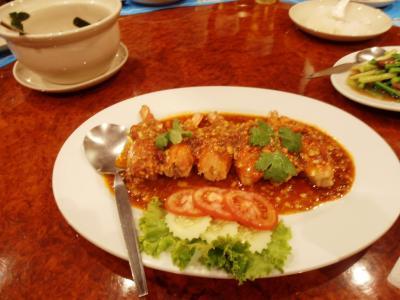 2011年8月タイ-スリランカ旅行タイ前半2日エカマイでエビチリ