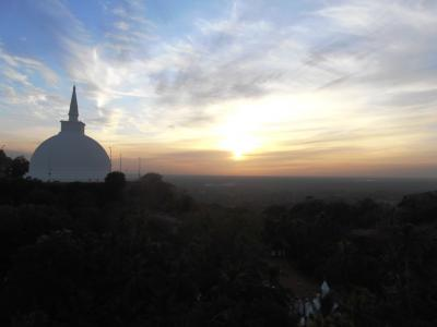 2011年8月タイ-スリランカ旅行スリランカ前半7日ミヒンタレー夕焼け
