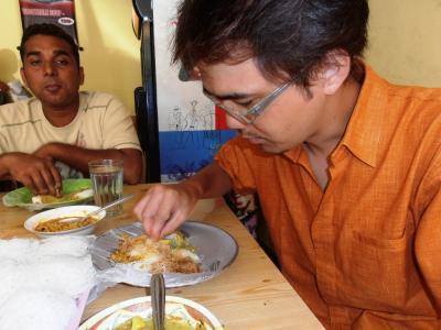 2011年8月タイ-スリランカ旅行スリランカ前半8日朝食も手で