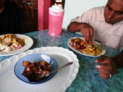 2011年8月タイ-スリランカ旅行スリランカ前半9日ランチカレービュッフェメイン