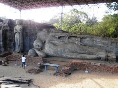 2011年8月タイ-スリランカ旅行スリランカ前半9日ポロンナルワガルヴィーハラ