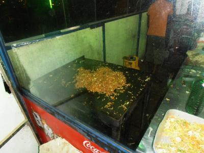 2011年8月タイ-スリランカ旅行スリランカ前半9日ダンブッラ沿道食堂コットゥロティー1