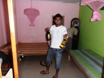 2011年8月タイ-スリランカ旅行スリランカ前半9日ダンブッラ沿道ホテル部屋