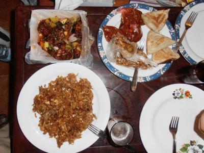 2011年8月タイ-スリランカ旅行スリランカ前半9日ダンブッラ沿道ホテル持ち込みディナー