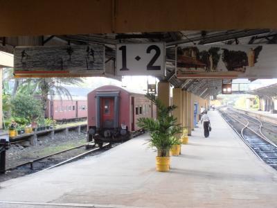 2011年8月タイ-スリランカ旅行スリランカ後半11日ゴール駅構内