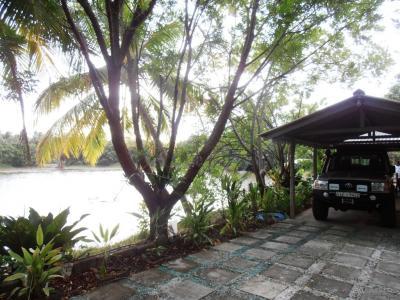 2011年8月タイ-スリランカ旅行スリランカ後半13日クルネーガラ郵政トップのリゾート