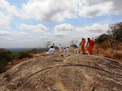 2011年8月タイ-スリランカ旅行スリランカ後半14日ヤーパフワ僧侶