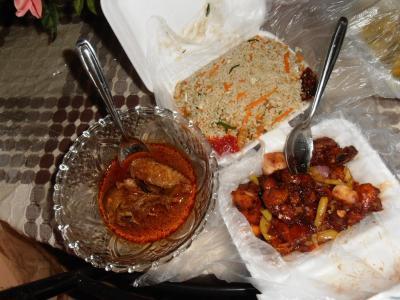 2011年8月タイ-スリランカ旅行スリランカ後半15日ポトハラのシェフの料理テイクアウト