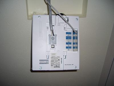 電気工事 インターホン取付状況 室内
