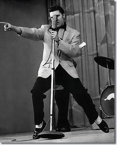 Elvis-Presley1_resize1.jpg