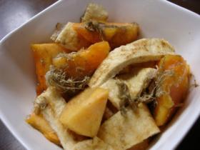 柿と油揚げのとろろ昆布和え焼き塩風味