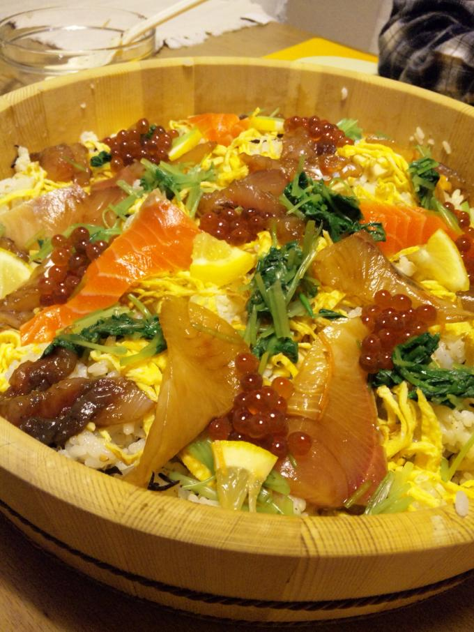 ひなまつり豪華海鮮ちらし寿司(笑)