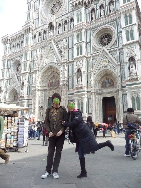 2010年3月16日(火)サンタマリアデルフィオーレ大聖堂前 (1)
