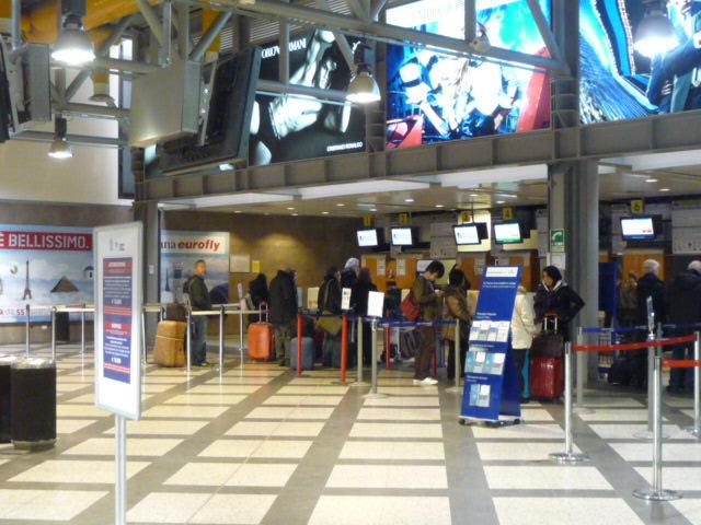 2010年3月17日(水)ミラノ・ペレトラ空港にて (17)
