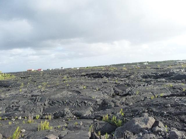 溶岩に呑まれた村