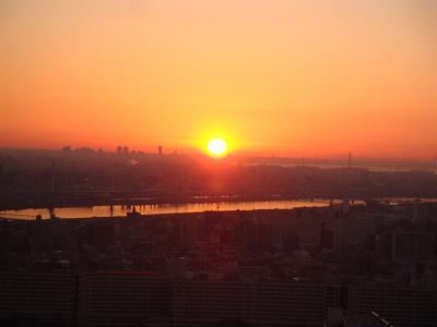 日の出と511mの東京スカイツリー