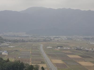 小富士山より工房を望む
